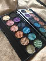 Guest Post: SdV Takes On Sleek Makeup i-Divine Eyeshadow Palettes